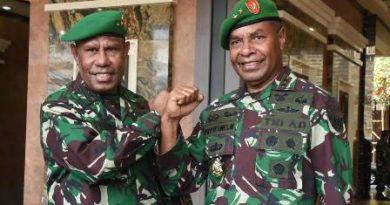 Kasad Lantik Dua Putra Terbaik Asli Papua