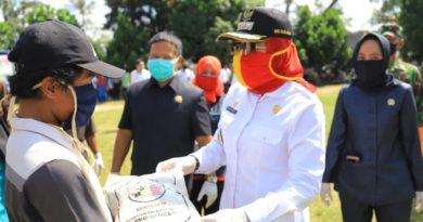 Bupati Tulang Bawang Ingatkan Bantuan Sembako 15 Kecamatan Agar Distribusinya Tepat Sasaran Bagi Masyarakat